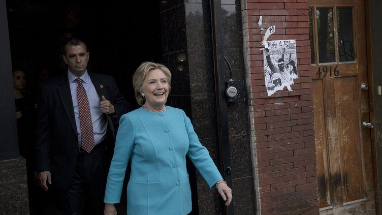 La candidate démocrate à la Maison Blanche, Hillary Clinton, en déplacement à Philadelphie (Etats-Unis), le 6 novembre 2016. (BRENDAN SMIALOWSKI / AFP)