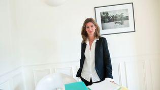 L'avocate Camille Kouchner dans son bureau, le 11 décembre 2014 (NIVIERE/SIPA)