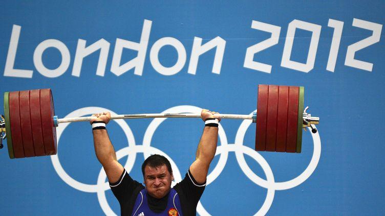 L'haltérophile russe Ruslan Albegov, titré aux JO de Londres en 2012 (YURI CORTEZ / AFP)