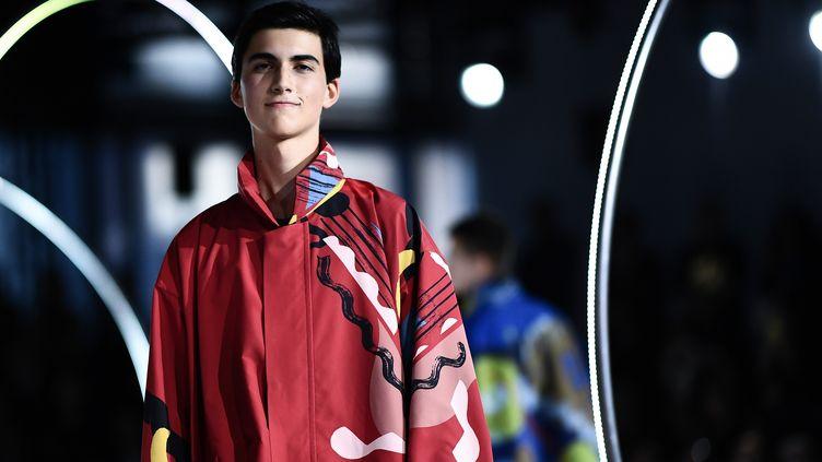 Homme Plissé Issey Miyake 2020/21 à la Paris Fashion Week masculine, le 16 janvier 2020 (ANNE-CHRISTINE POUJOULAT / AFP)