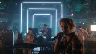 Le groupe de rock Villejuif Underground s'est produit en live de La Cigale hier soir. Un concert sans public, filmé comme un clip. (Culturebox)