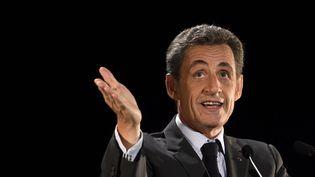 L'ancien président de la République Nicolas Sarkozy s'adresse à ses partisans lors d'un meeting à Neuilly le 7 novembre 2016. (ERIC FEFERBERG / AFP)