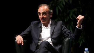 Eric Zemmour, le 18 avril 2021, à Marseille, lors d'une conférence du sénateur Stéphane Raviet, élu du Rassemblement national marseillais. (VALLAURI NICOLAS / MAXPPP)