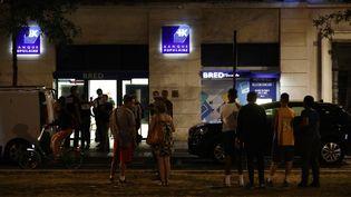 L'agence bancaire où a eu lieu la prise d'otage, boulevard de Satrsbourg au Havre (Seine-Maritime), le jeudi 6 août 2020. (SAMEER AL-DOUMY / AFP)