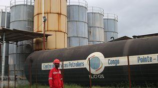 Dépôt pétrolier sur le port de Pointe Noire au Congo. (SAMIR TOUNSI / AFP)