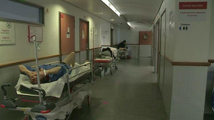"""Urgences : le dispositif """"hôpital sous tension"""" en vigueur dans près de 100 établissements"""