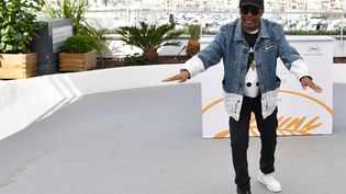 Le réalisateur Spike Lee en 2018 à Cannes. (ALBERTO PIZZOLI / AFP)