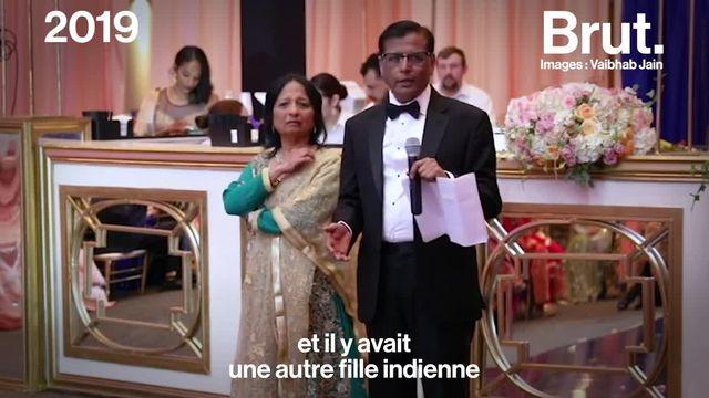 Au mariage de son fils gay, ce père indien autrefois homophobe a livré un message de tolérance particulièrement émouvant.
