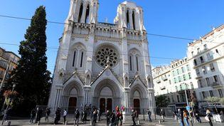 La basilique Notre-Dame à Nice lors d'un hommage aux victimes de l'attaque au couteau, le 30 octobre 2020. (VALERY HACHE / AFP)