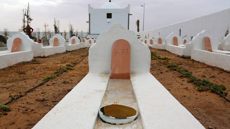 Le Jardin d'Afrique, cimetière du Sud tunisien pour les migrants qui se sont noyés en traversant la Méditerranée, le 1er juin 2021. (FATHI NASRI / AFP)