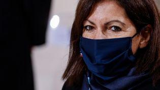 La maire de Paris, Anne Hidalgo, lors de la cérémonie d'hommage à Maurice Genevoix, au Panthéon, le 11 novembre 2020. (LUDOVIC MARIN / AFP)