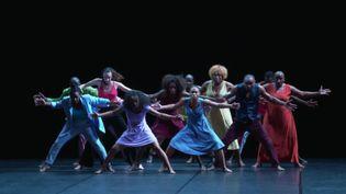 """""""D""""un rêve"""" de Salia Sanou clôture le Festival Montpellier Danse 2021. (CAPTURE D'ÉCRAN FRANCE 3 / Christophe Monteil)"""