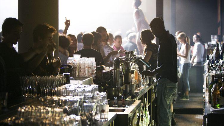 Les discothèques devront attendre septembre pour rouvrir. (photo d'illustration) (JEGAT MAXIME / MAXPPP)