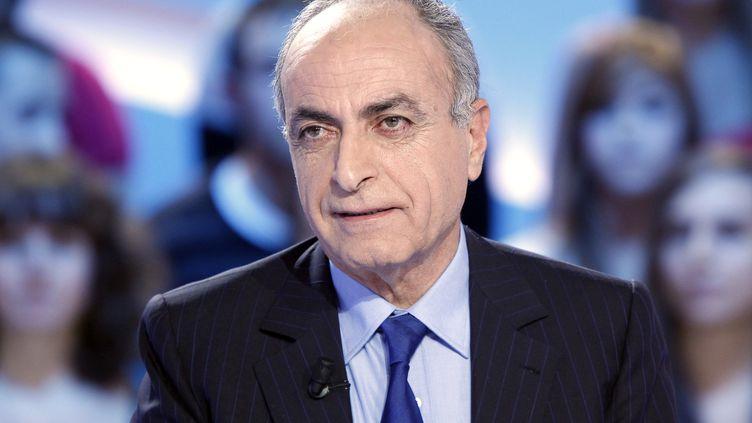 L'homme d'affaires Ziad Takieddine participe à une émission télévisée, le 17 novembre 2011. (THOMAS SAMSON / AFP)