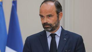 Le Premier ministre, Edouard Philippe, parle à la presse après un Conseil des ministres consacré à la question de la reconstruction de Notre-Dame de Paris, le 17 avril 2019. (LUDOVIC MARIN / AFP)
