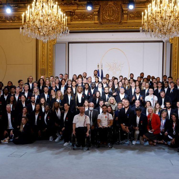 Les athlètes olympiques et paralympiques à l'Elysée le 13 septembre 2021. (LUDOVIC MARIN / AFP)