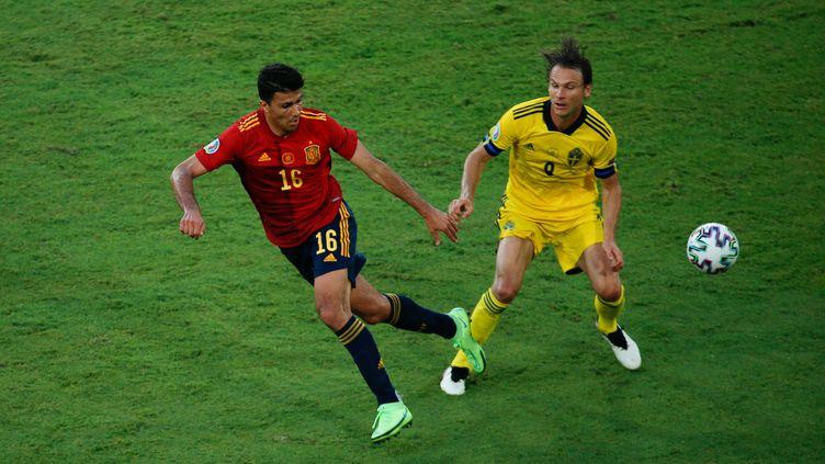 Rodrigo (gauche) et l'Espagne n'ont pas fait lever les foules contre la Suède à l'Euro le 14 juin 2021 à Séville. (JOAQUIN ARCOS / ANADOLU AGENCY via AFP)