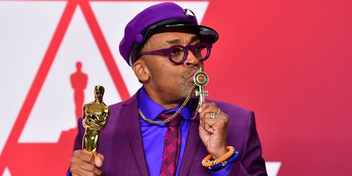 Spike Lee rend hommage à Prince sur le tapis rouge des Oscars  (FREDERIC J. BROWN / AFP)