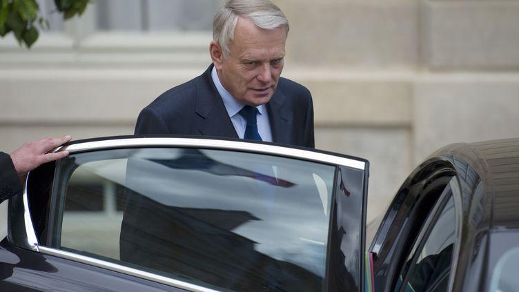 Le Premier ministre, Jean-Marc Ayrault, à la sortie du Conseil des ministres à l'Elysée, le 6 juin 2012 à Paris. (FRED DUFOUR / AFP)