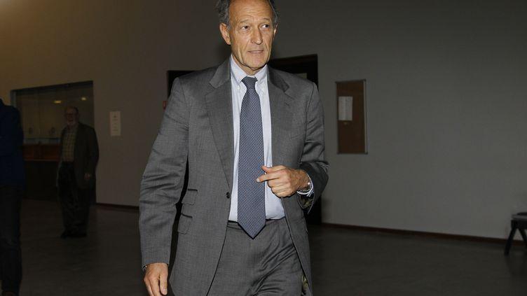 Thierry Gaubert quitte le tribunal de Nanterre (Hauts-de-Seine), le 6 février 2012. (GONZALO FUENTES / REUTERS)