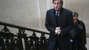 Patrick De Carolis lors de son arrivée au tribunal correctionnel de Paris, le 14 novembre 2016. (LIONEL BONAVENTURE / AFP)