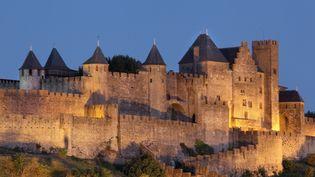 La ville fortifiée de Carcassonne est un exemple remarquable de cité médiévale, réputée imprenable. (MANUEL COHEN / MANUEL COHEN / AFP)