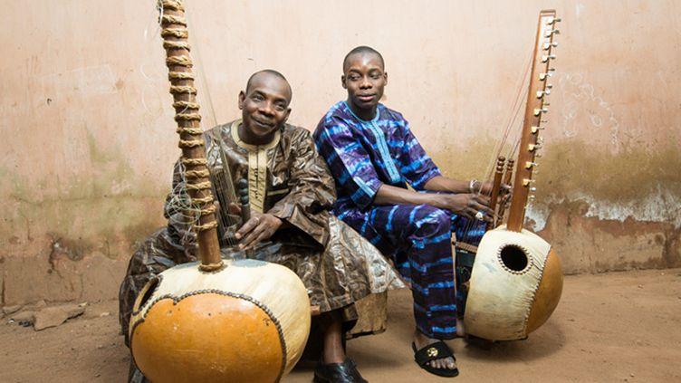 Toumani & Sidiki Diabaté  (Youri Lenquette)