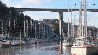 Covid-19 : la Bretagne, beaucoup moins touchée que le reste de la France (FRANCE  3)