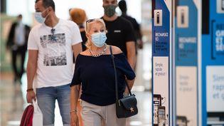 Un centre commercial dans le centre de Marseille, lundi 20 juillet 2020. (CLEMENT MAHOUDEAU / AFP)