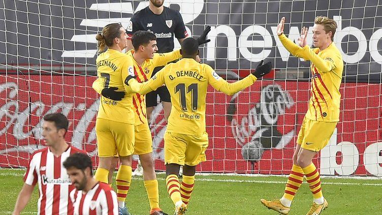 Les joueurs du FC Barcelone lors de leur rencontre face à l'Athletic Bilbao au Stade San Mamés (ANDER GILLENEA / AFP)