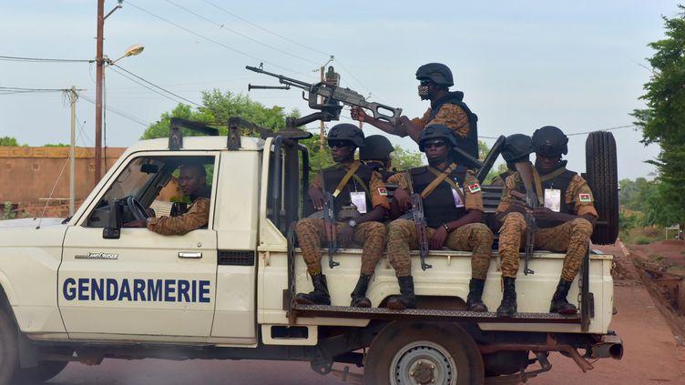 Gendarmes burkinabè en patrouille à Ouhigouya (nord du pays), le 30 octobre 2018. (ISSOUF SANOGO / AFP)