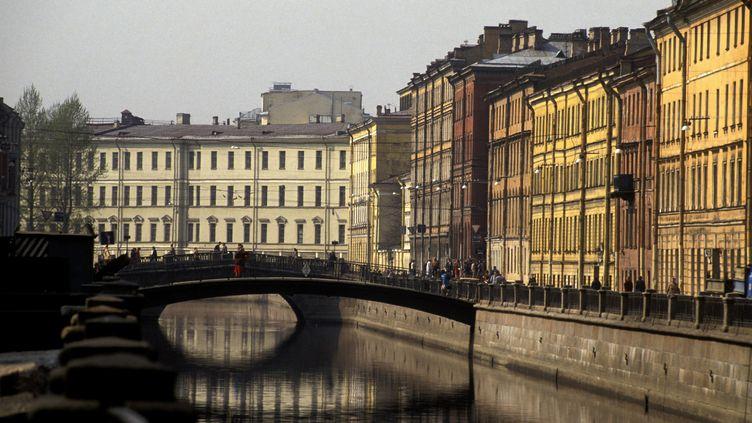 Un canaldans le quartier de la Nouvelle-Hollande, le 23 mai 2019, àSaint-Pétersbourg (Russie). (PHILIPPE ROY / AFP)