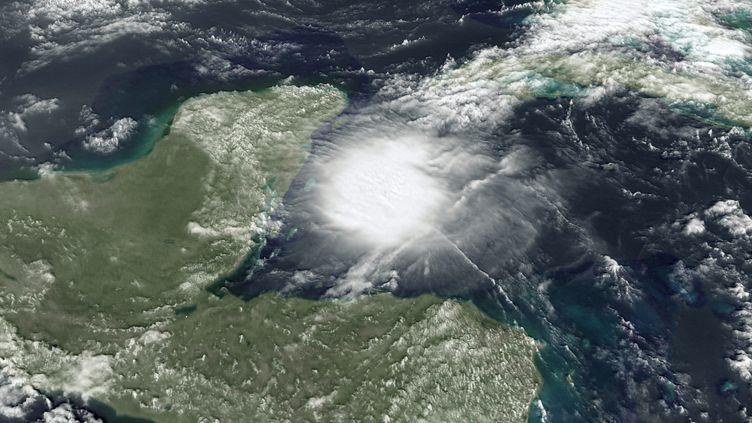 L'ouragan Agatha vu d'un satellite au-dessus des Caraïbes, le 1er juin 2020. (Z03 / MAXPPP)