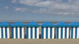 Des cabines de plage. (CAPTURE D'ÉCRAN FRANCE 3)