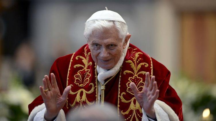 La messe de Benoît XVI à la Basilique Saint-Pierre à Rome (Italie), le 9 février 2013. (ANDREAS SOLARO / AFP)