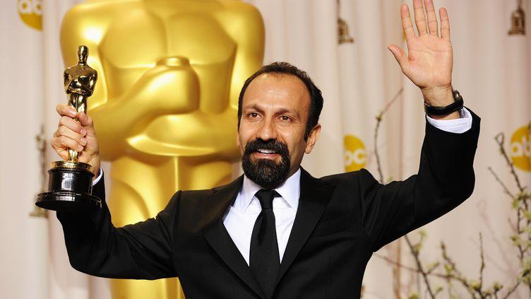 Le réalisateur iranien Asghar Farhadi après avoir remporté l'Oscar du meilleur film étranger, le 26 février 2012, à Los Angeles (Etats-Unis). (JASON MERRITT / AFP)