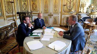 Emmanuel Macron reçoit le président de la CFE-CGC François Hommeril, le 23 mai 2017, au palais de l'Elysée. (PHILIPPE WOJAZER / AFP)