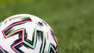 L'Uniforia est le ballon officiel du Championnat d'Europe de football 2020. (MIKE KIREEV / NURPHOTO)