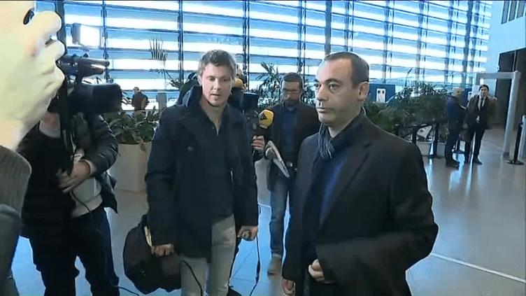 Mohamed Tadbirt, le père de Sofiane, quitte la cour d'assises de l'Isère à Grenoble le 12 décembre, après l'énoncé du verdict dans l'affaire de la rixe d'Echirolles. (FRANCE 3 ALPES)