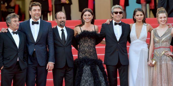 """L'équipe du film """"Everybody knows"""" monte les marches du Festival de Cannes  (WOSTOK PRESS/MAXPPP)"""