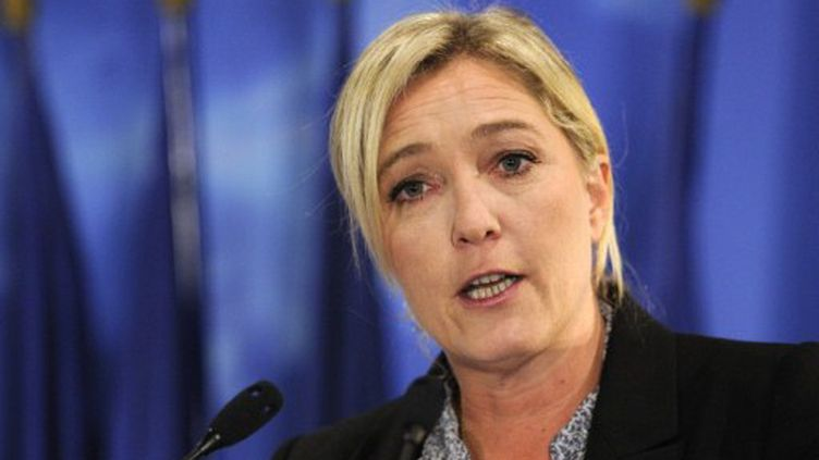 Marine Le Pen en meeting le 29 septembre 2011 (ERIC FEFERBERG / AFP)