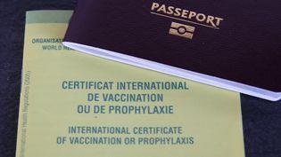Un passeport vaccinal (pass sanitaire). (JEAN-FRANCOIS FREY / MAXPPP)