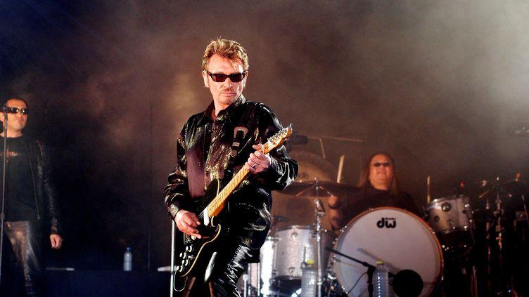 Johnny Hallyday, le 25 mai 2003, à Saint-Denis-de-la-Réunion. (- / AFP)