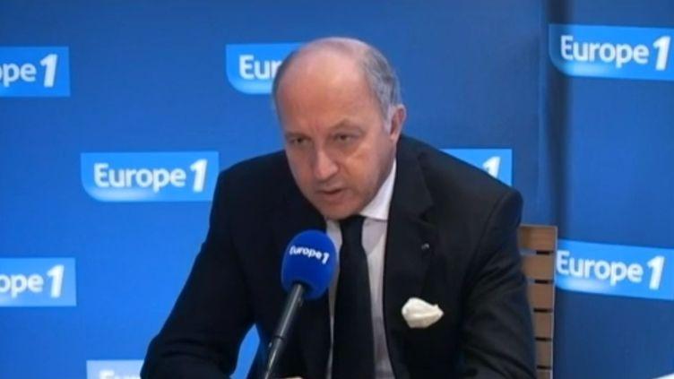 Laurent Fabius, ministre des Affaires étrangères, sur Europe 1, le 25 mars 2013. (EUROPE 1 / FRANCETV INFO)