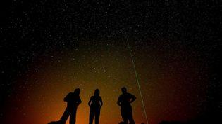 La nuit des étoiles filantes est un rendez-vous qui a lieu entre le 17 juillet et le 26 août 2020, avec un pic durant lequel elles sont particulièrement visibles et nombreuses durant la nuit du 12 au 13 août. (FLORIAN LAUNETTE / MAXPPP)
