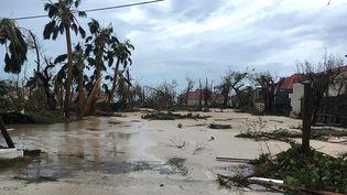 Photo prise sur la page Facebook d'un habitant deGustavia, sur l'île de Saint-Barthélemy, après le passage de l'ouragan Irma, le 7 septembre 2017. (KEVIN BARRALLON / FACEBOOK)