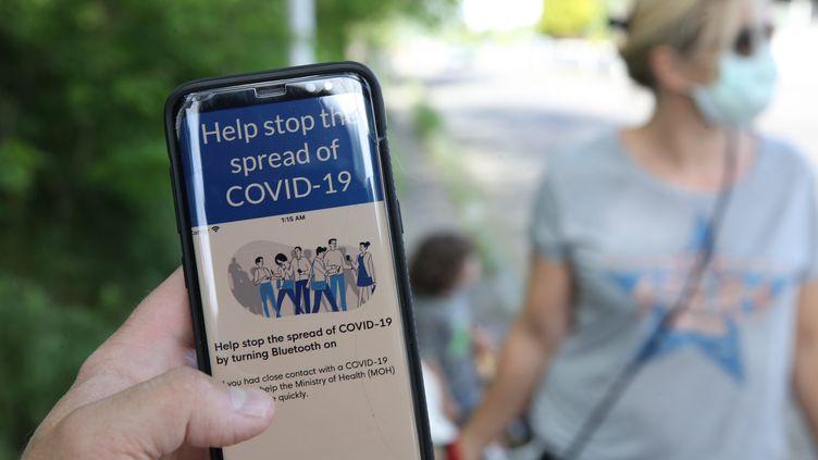 La Commission nationale consultative des droits de l'homme, s'inquiète de la mise en place de l'application StopCovid. (photo d'illustration) (JEAN-FRANCOIS FREY / MAXPPP)