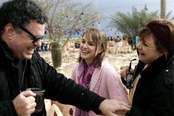 """Natalie Portman aux côtés d'Amos Gitaï sur le tournage de """"Free Zone""""  (Bac Films )"""