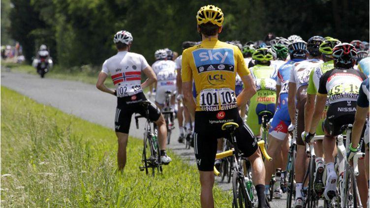 Les coureurs font une pause (JOEL SAGET / AFP)