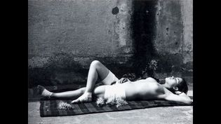 Manuel Alvarez Bravo, La buena fama durmiendo (La bonne renommée endormie), 1938  (Colette Urbajtel / Archivo Manuel Álvarez Bravo, s.c.)